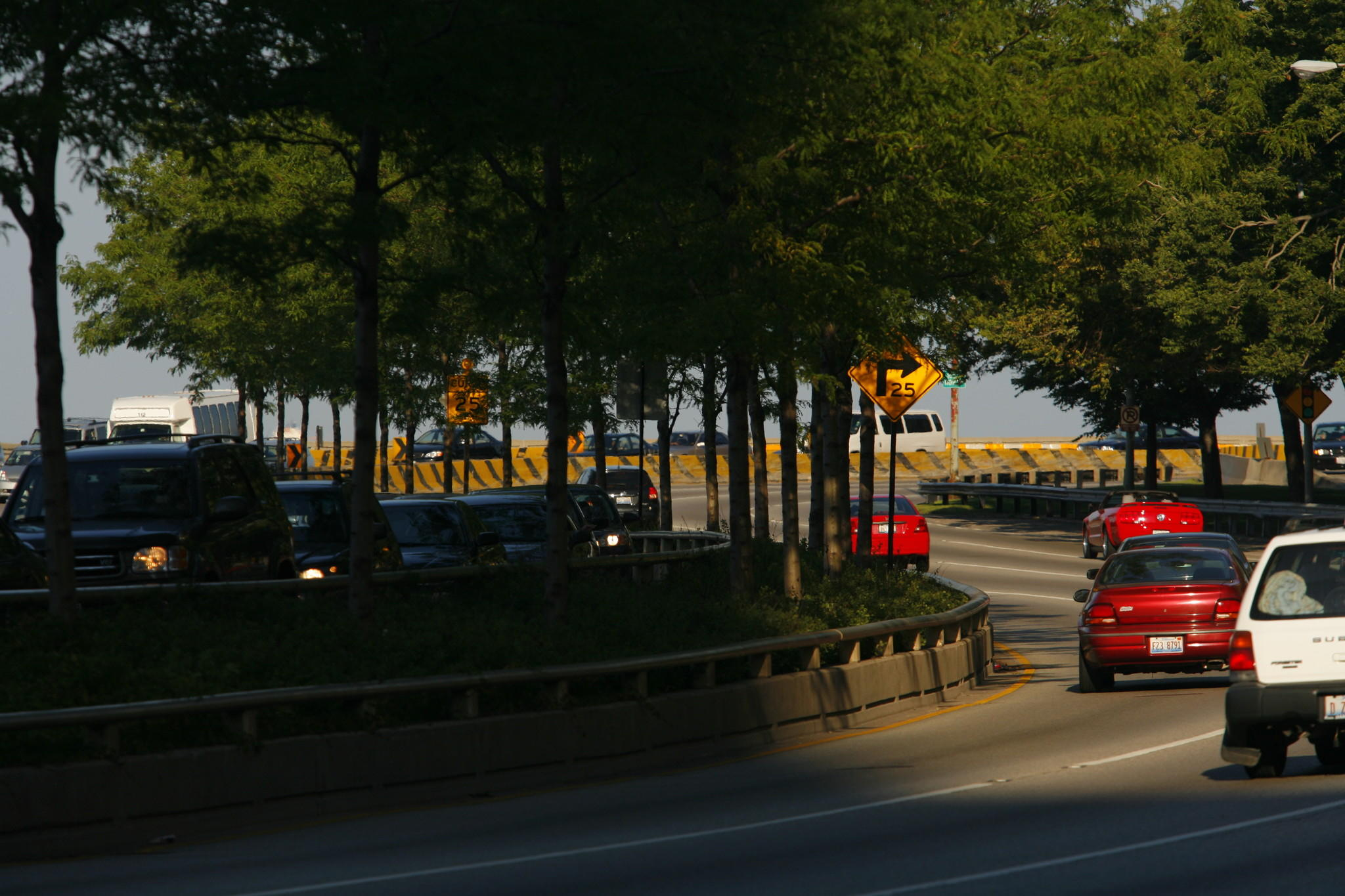 Oak Street curve on North Lake Shore Drive looking east. Chicago Tribune photo by E. Jason Wambsgans