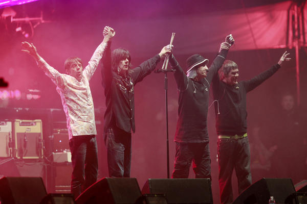 The Stone Roses dropped the anchor on the festival with fellow English rock band Blur.