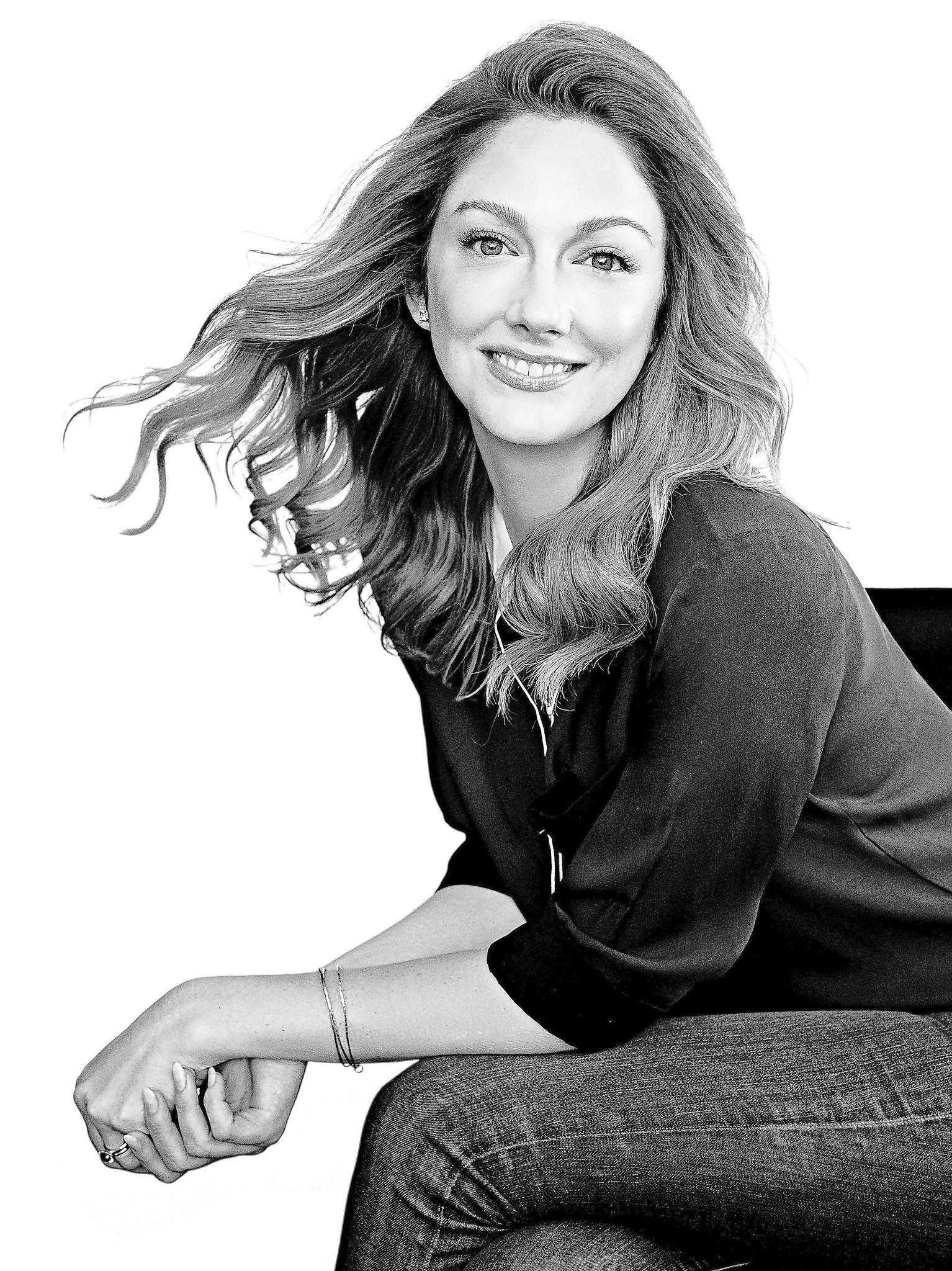 "In Judy Greer's new book, ""I Don't Know What You Know Me From,"" she talks about how she was ""discovered"" on a sidewalk in Chicago."