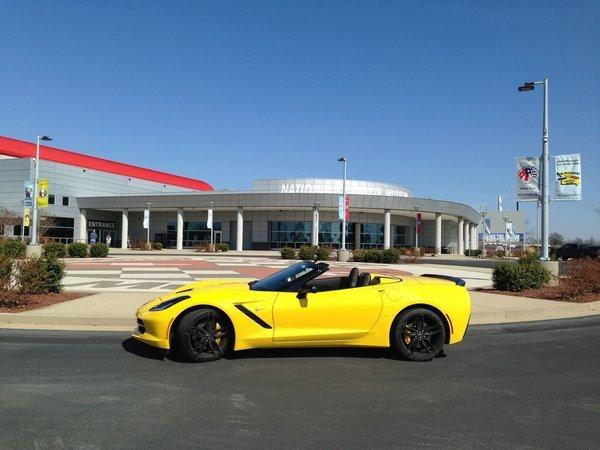 Review 2014 Corvette Stingray Convertible Makes A Convert Chicago Tribune
