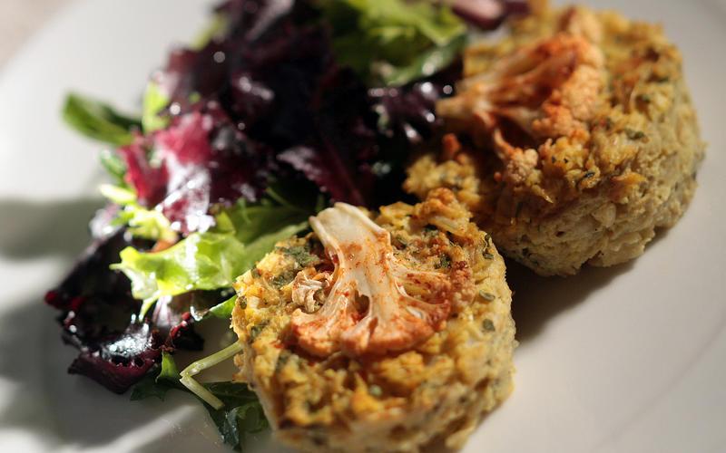 Spiced cauliflower kugelettes