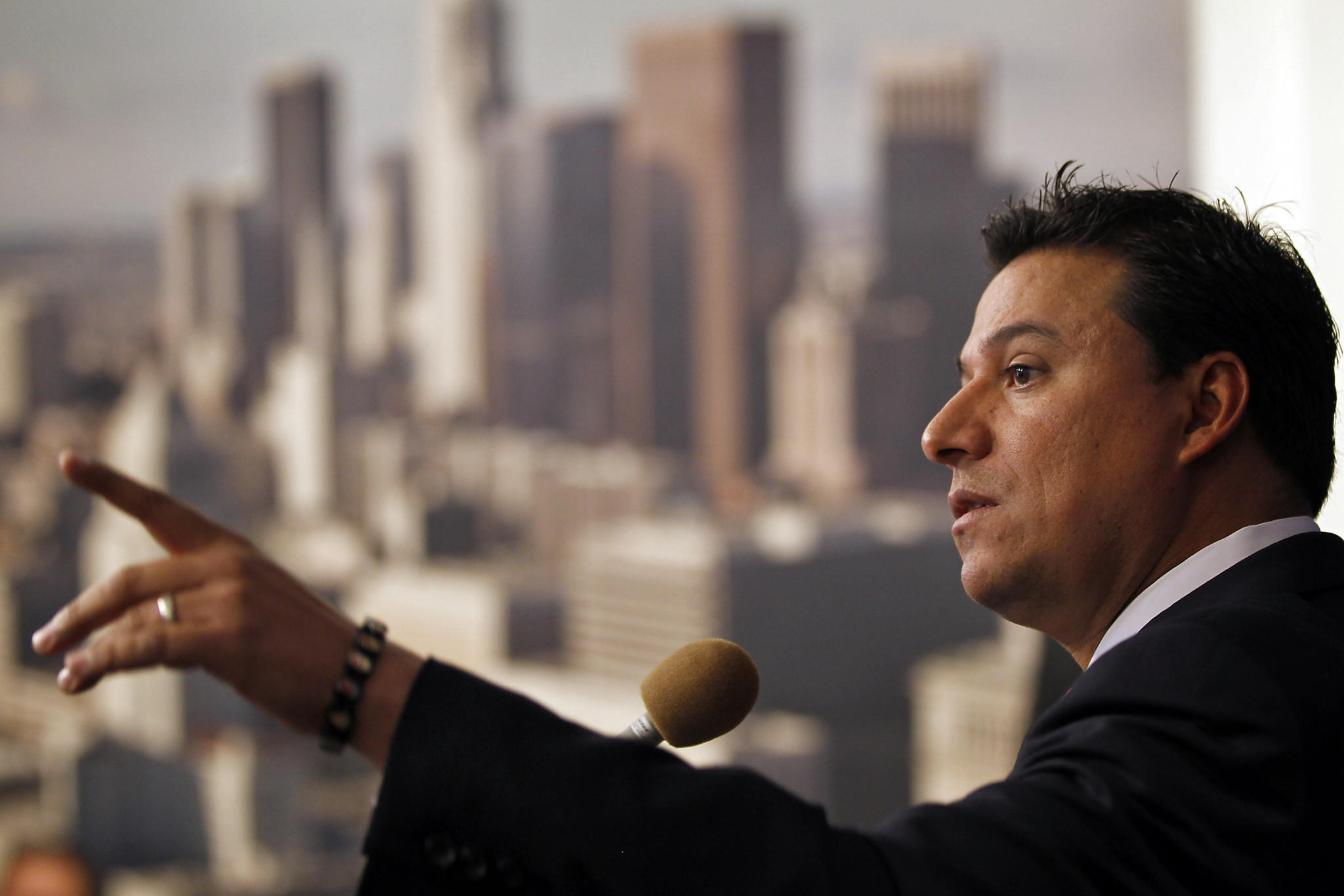 Los Angeles City Councilman Jose Huizar addresses a news conference at City Hall on November 23, 2011.