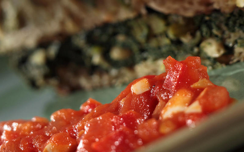 Tomato-red pepper sauce