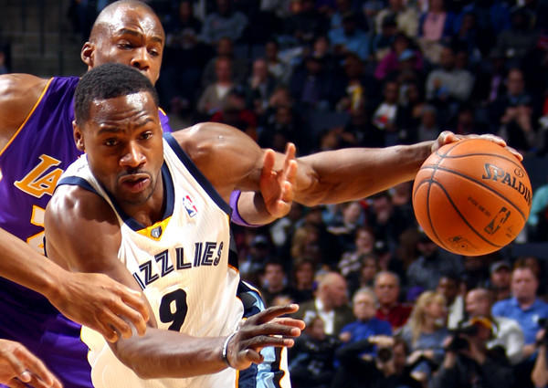 Grizzlies guard Tony Allen drives past Lakers guard Jodie Meeks during a game in Memphis.