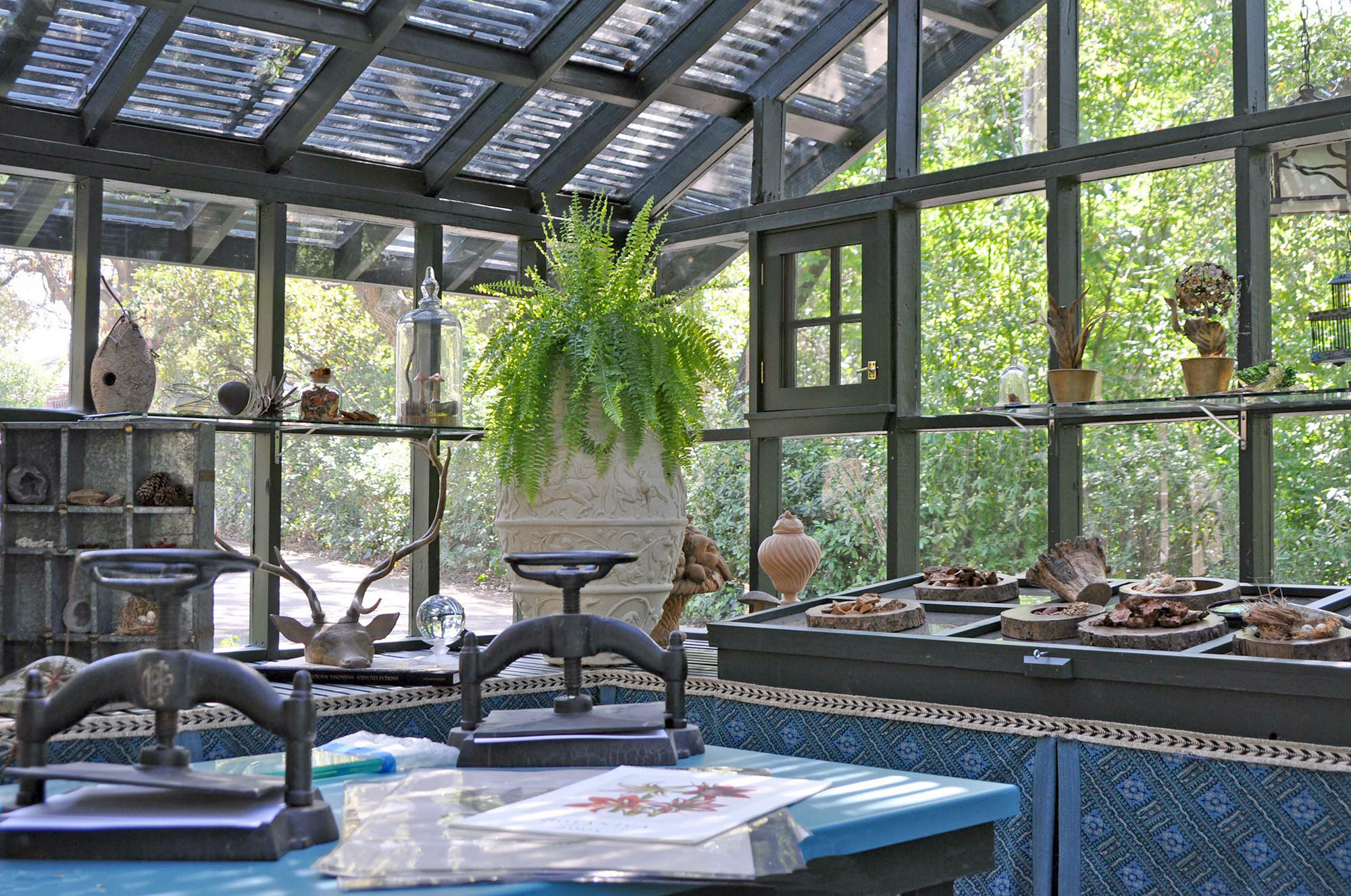 Delores Kroop of D.K. Designs let the wonders of nature to be the stars in her design of The Botanical Retreat.