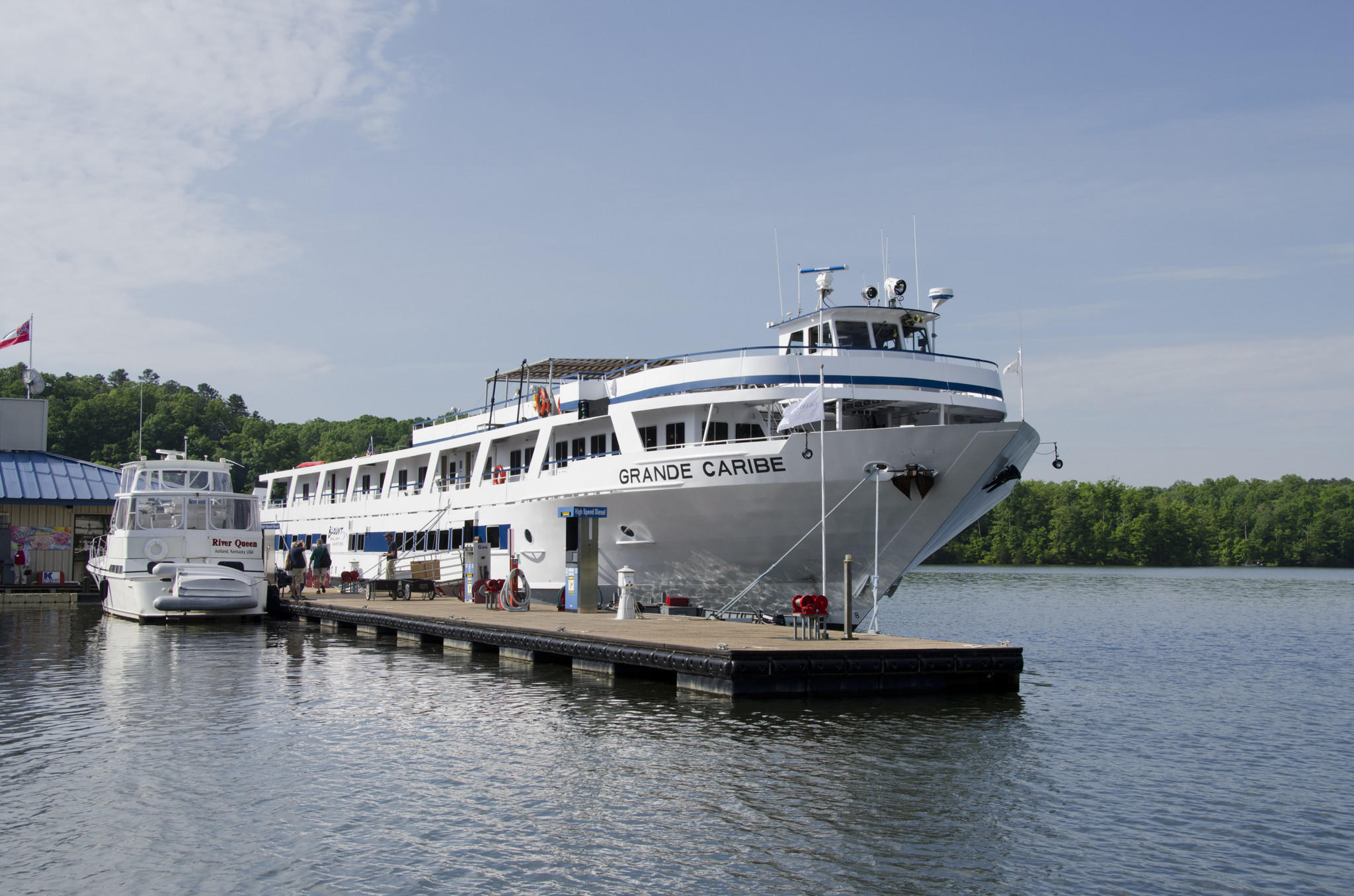The Grande Caribe docked at Pickwick, Tenn.