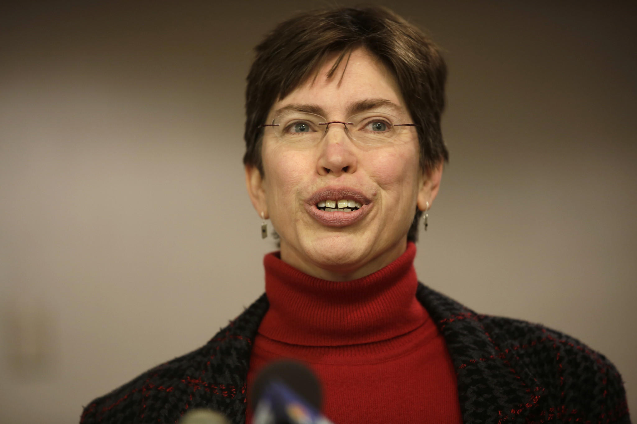 Lt. Gov. Sheila Simon announces her intention not to run for reelection.