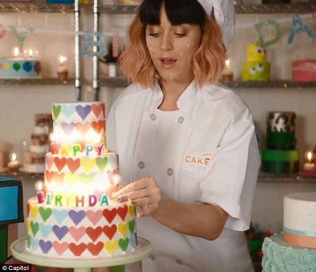 Duff Goldman Bakes The Cakes For Katy Perrys Birthday Video
