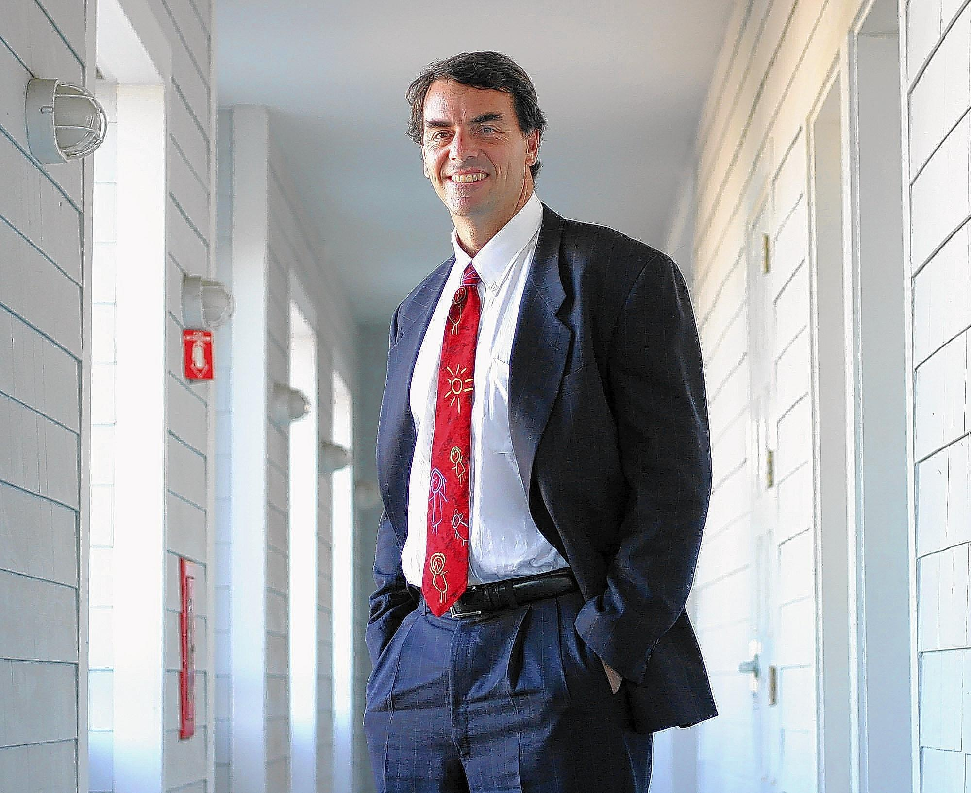 "Tim Draper in 2003; the Silicon Valley venture capitalist has poured nearly $2 million into a signature-gathering drive to qualify his ""Six Californias"" initiative for the state ballot."