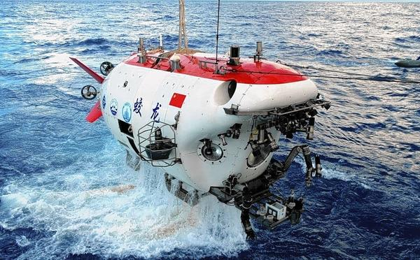 The Jiaolong, China's first manned deep-sea submersible, is a source of pride for the nation. But its mother ship has been unreliable, and Chinese officials have not offered the vessel for use in the search for Malaysia Airlines Flight 370.