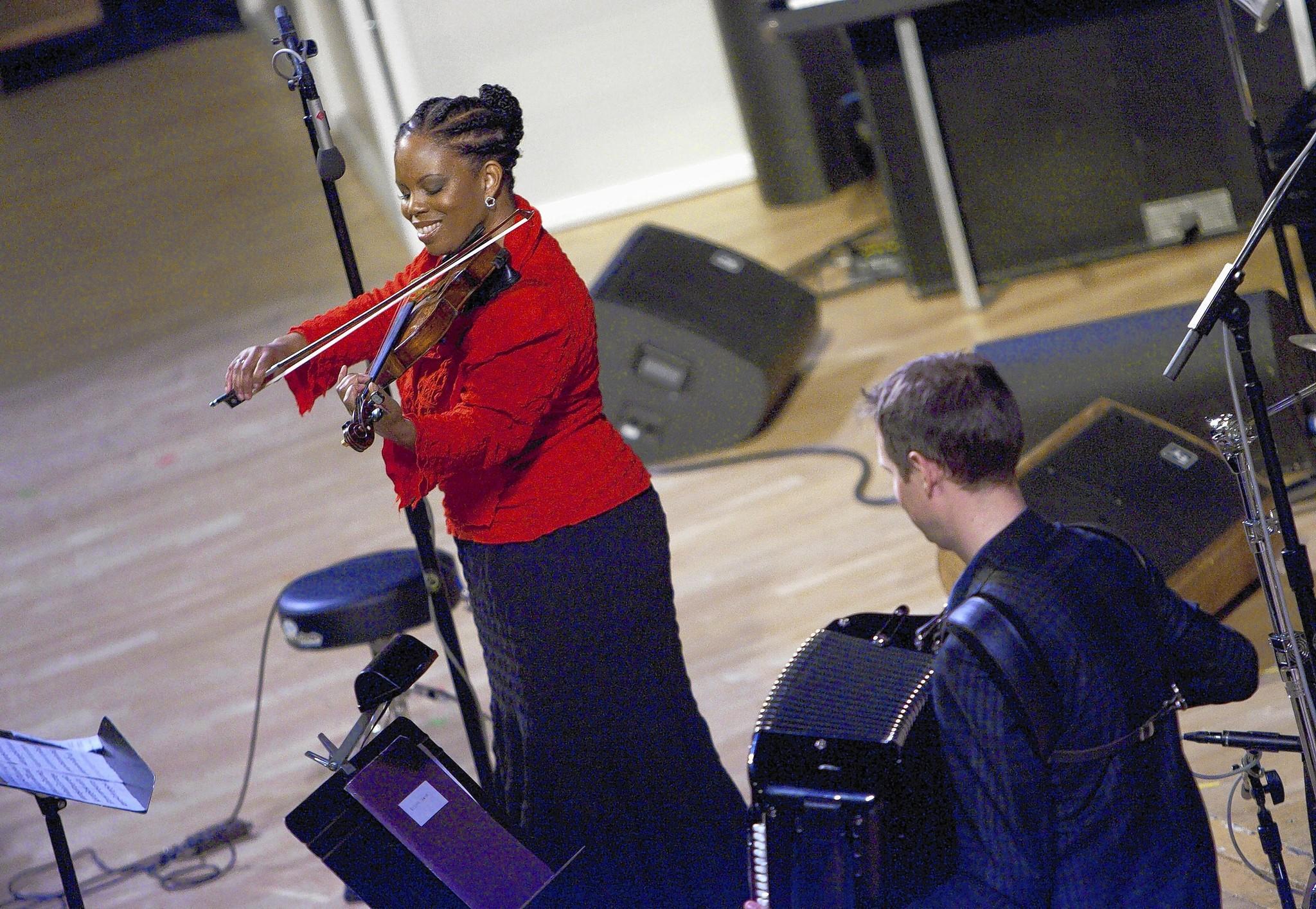 Violinist Regina Carter performs at Symphony Center.