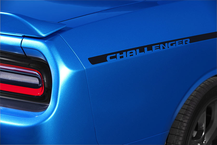 2015 Dodge Challenger gets interior boost