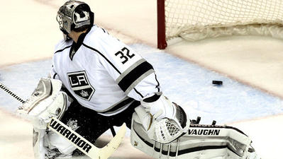 Kings drop playoff opener to Sharks, 6-3