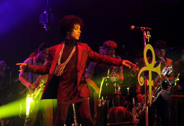 Prince, shown during his performance in March at the Hollywood Palladium, has signed a new contract with Warner Bros. Records and will release a new studio album at an unspecified date.