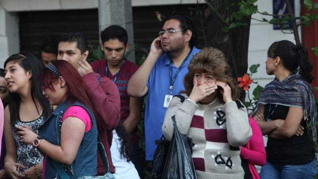 Magnitude 7.2 earthquake shakes Mexico City