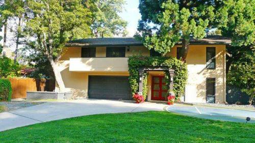 "Natasha Henstridge of ""Species"" films fame has sold her  home in Sherman Oaks for $1.65 million."