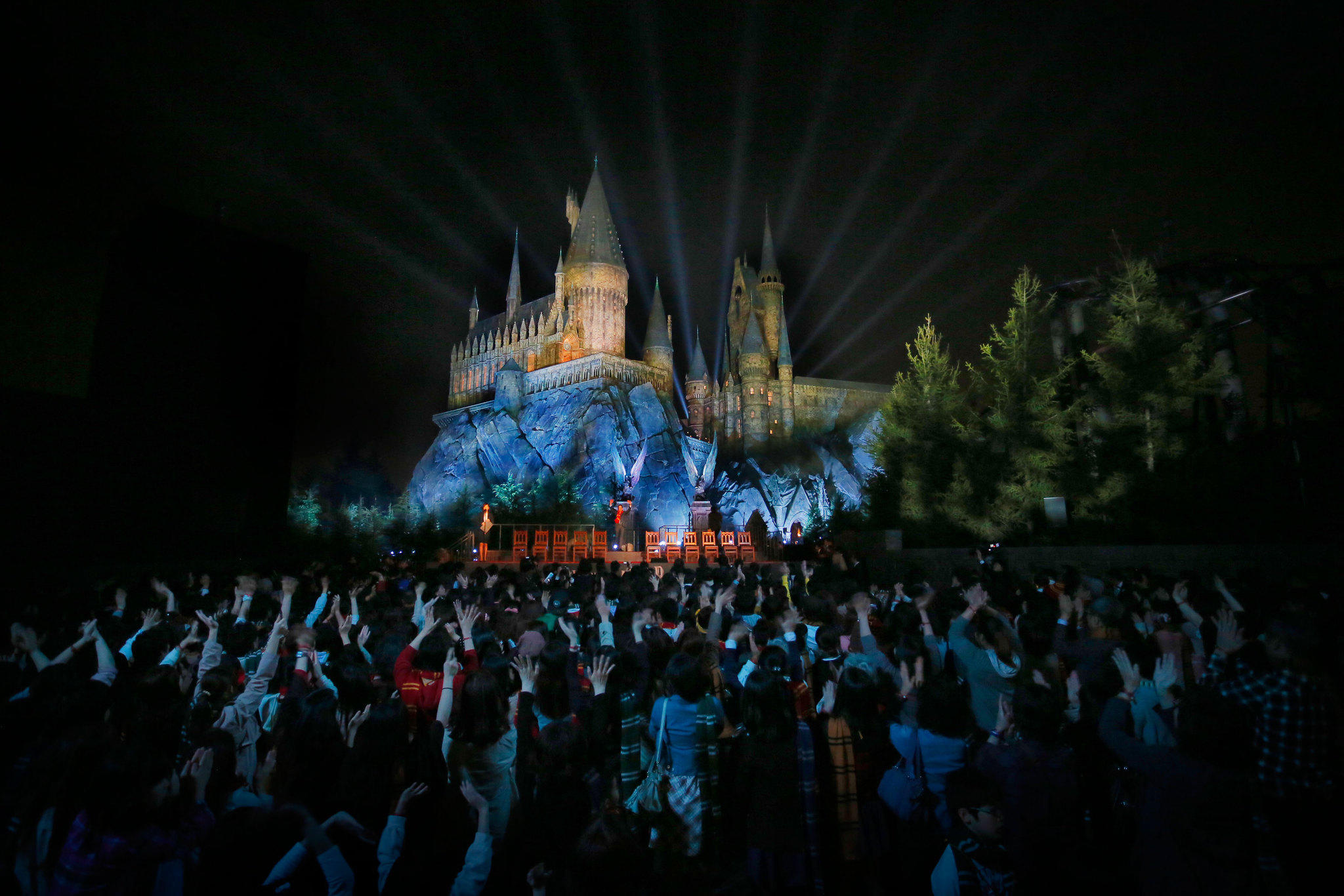 Universal Studios Japan unveiled Hogwarts castle -- the focal point of its forthcoming Wizarding World of Harry Potter attraction -- at a press event on Friday.