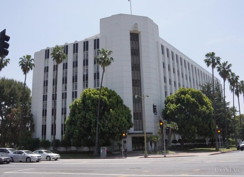 This six-story building at 4680 Wilshire Blvd. has been occupied by Farmers Insurance since the 1930s.