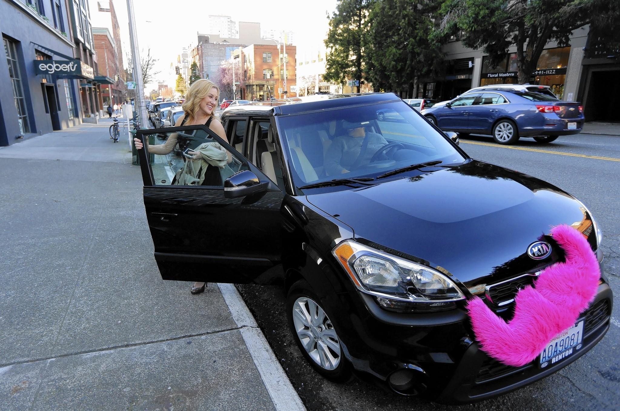 Investors poured $9.5 billion into 951 U.S. start-ups during the first three months of 2014, according to the latest MoneyTree report released Friday. Above, a customer uses the ride-sharing service Lyft, which received a new round of funding worth $60 million last year.