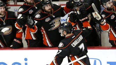 Corey Perry adds to Ryan Getzlaf's heroics in 3-2 win for Ducks
