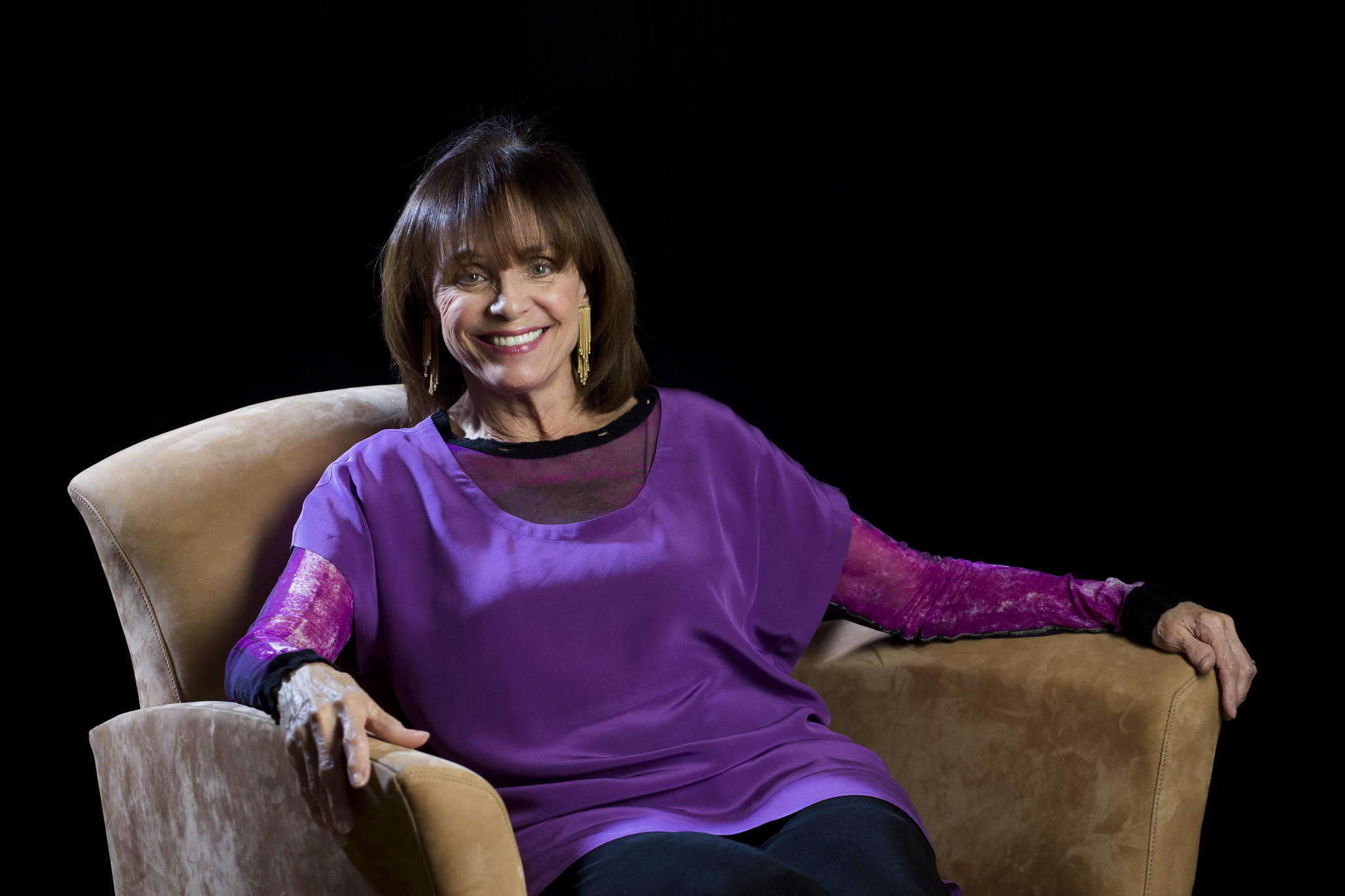 "Valerie Harper guest stars in upcoming episodes of the Hallmark series, ""Signed, Sealed, Delivered."""