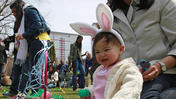Chicago kids on hunt for Easter eggs