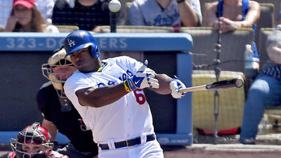 Yasiel Puig puts on a show as Dodgers beat Diamondbacks again, 4-1