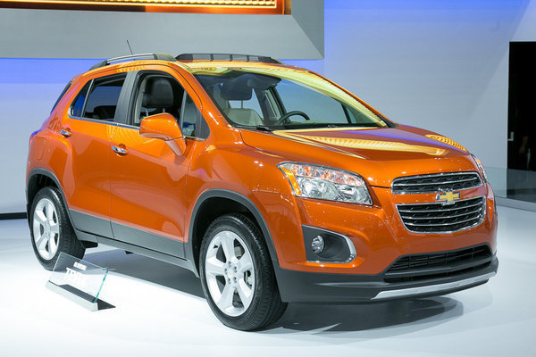 2015 chevy trax compact suv crosses over into market chicago tribune. Black Bedroom Furniture Sets. Home Design Ideas
