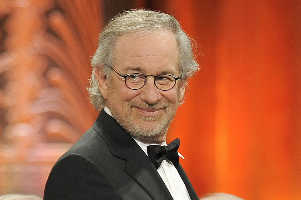 Steven Spielberg is reportedly in talks to direct a Cold War thriller starring Tom Hanks.