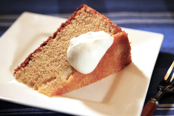 Huckleberry's whole wheat apple butter cake