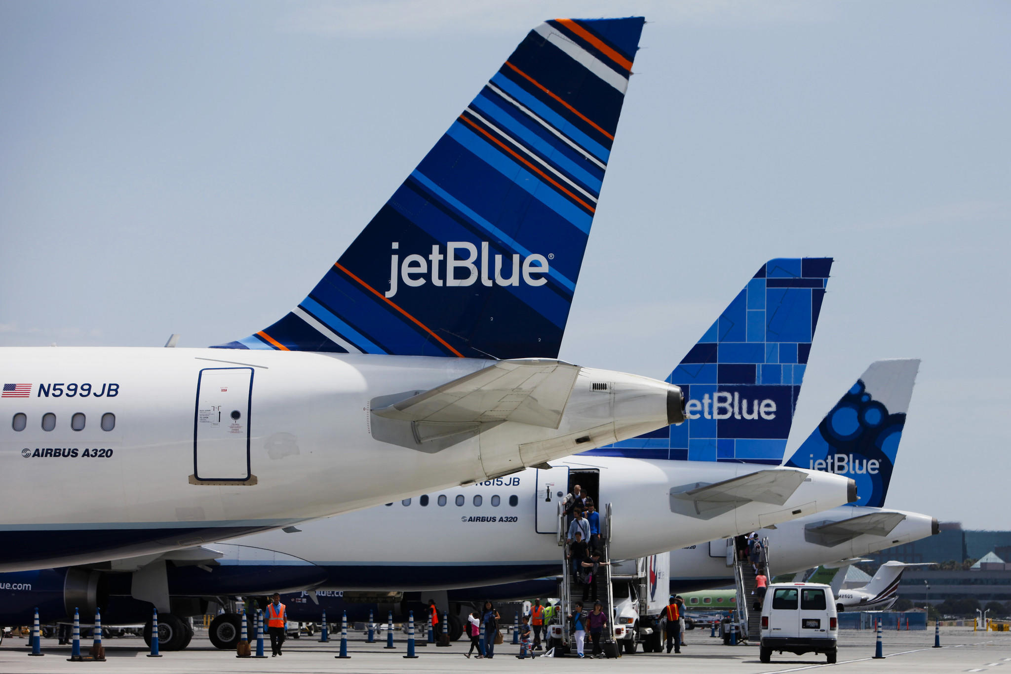JetBlue pilots have voted overwhelmingly to unionize. The New York-based airline was the last major carrier without union representation.