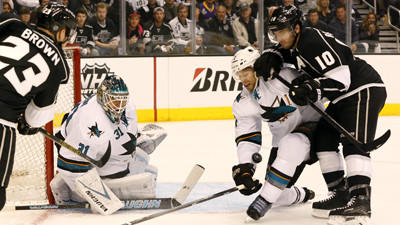 Kings pushed to edge of elimination with 4-3 loss to Sharks