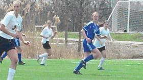 Girls soccer | Lake Zurich having early season success behind senior leader Gelinas