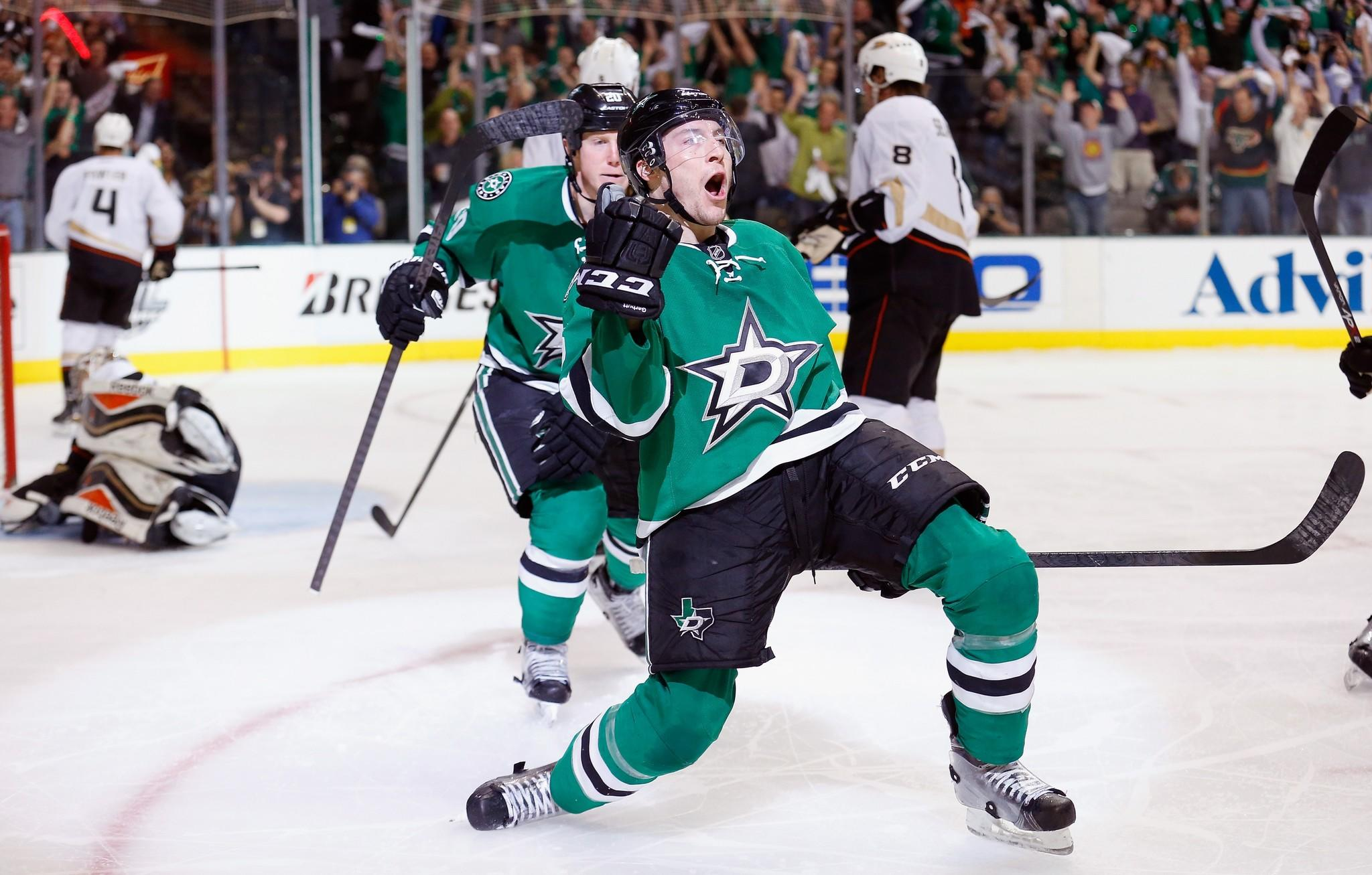 The Dallas Stars' Ryan Garbutt celebrates after scoring a goal against the Ducks on Monday.