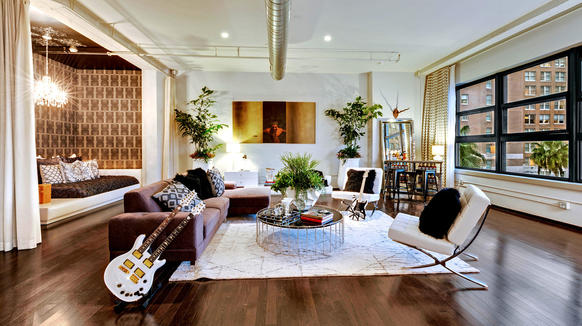 """Dave Navarro of Spike TV's """"Ink Master"""" has listed his Hollywood loft for sale at $899,000."""