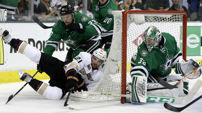 Ducks can't hold back surging Stars in 4-2 loss
