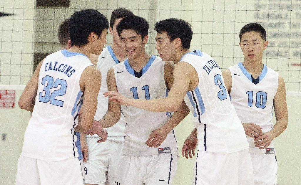 Crescenta Valley High boys' volleyball swept Glendale on Wednesday.