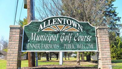Allentown golf course gets six restaurant bids