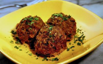 Cafe Sevilla's albondigas (meatballs)