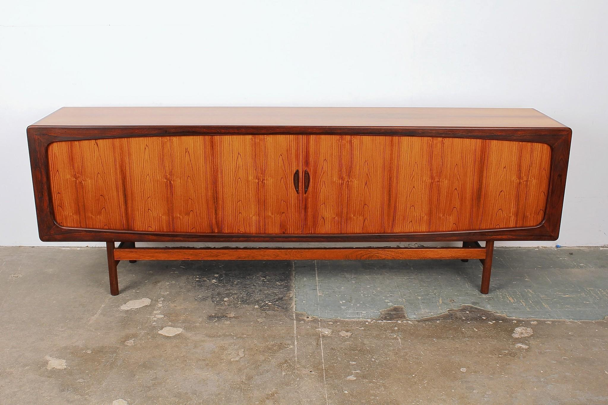 Exhibitor Midcentury LA of West Hollywood is featuring a Danish rosewood sideboard by Arne Vodder from the 1960s.