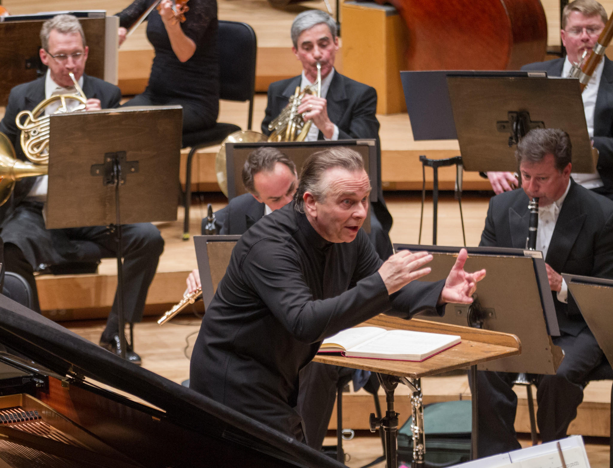 Mark Elder leads the Chicago Symphony Orchestra at Symphony Hall.