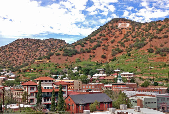 Bisbee's old town and many of its attractions reside in a gully known as Tombstone Canyon. Military men on patrol in the 1880s noted the brightly colored minerals in the canyon, a result of an abundance of copper, and it wasn't long before they filed mining claims for the area. Bisbee's fortunes rose and fell with demand for the metal, hitting a peak during World War I.