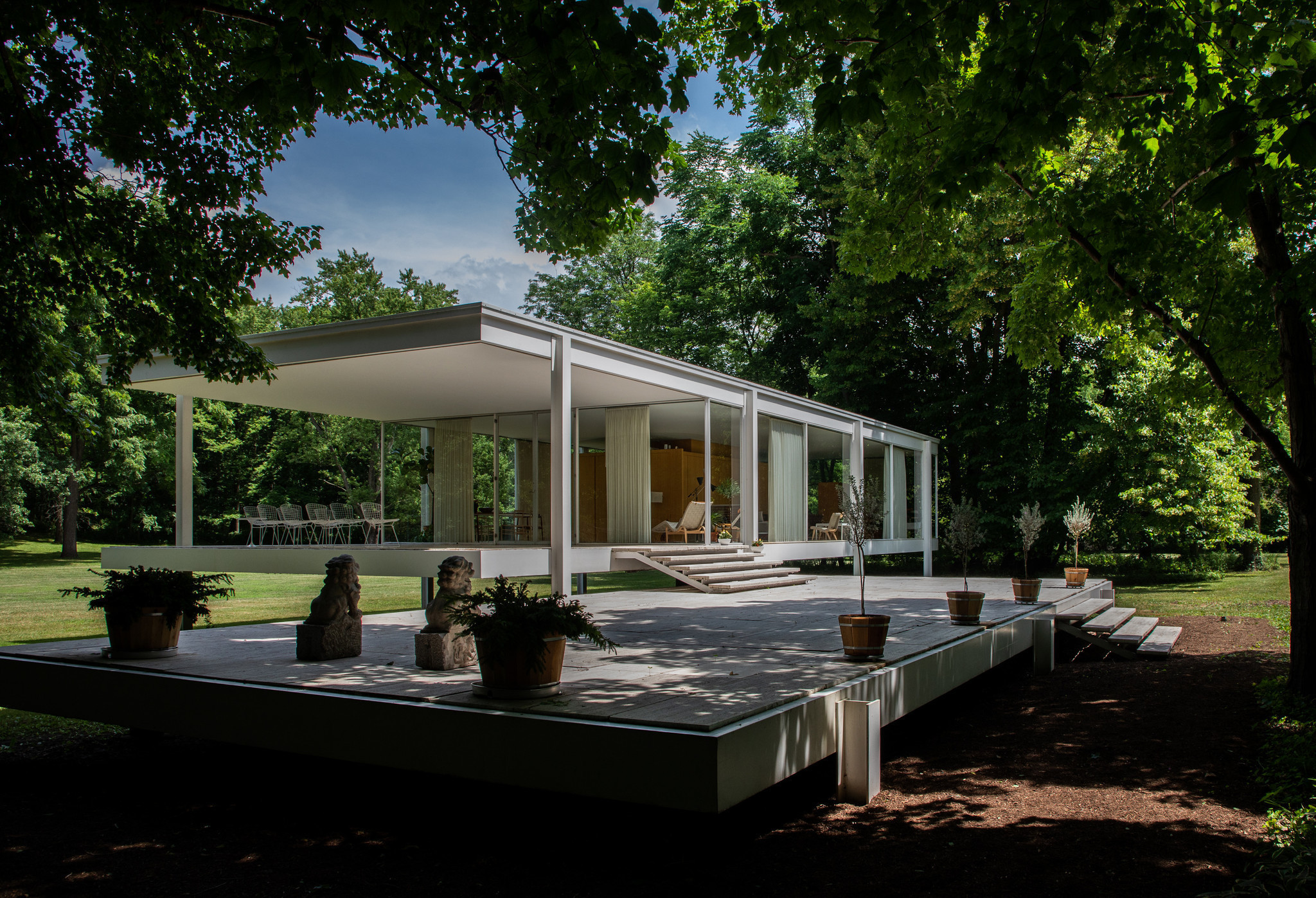 Farnsworth House Chicago Tribune
