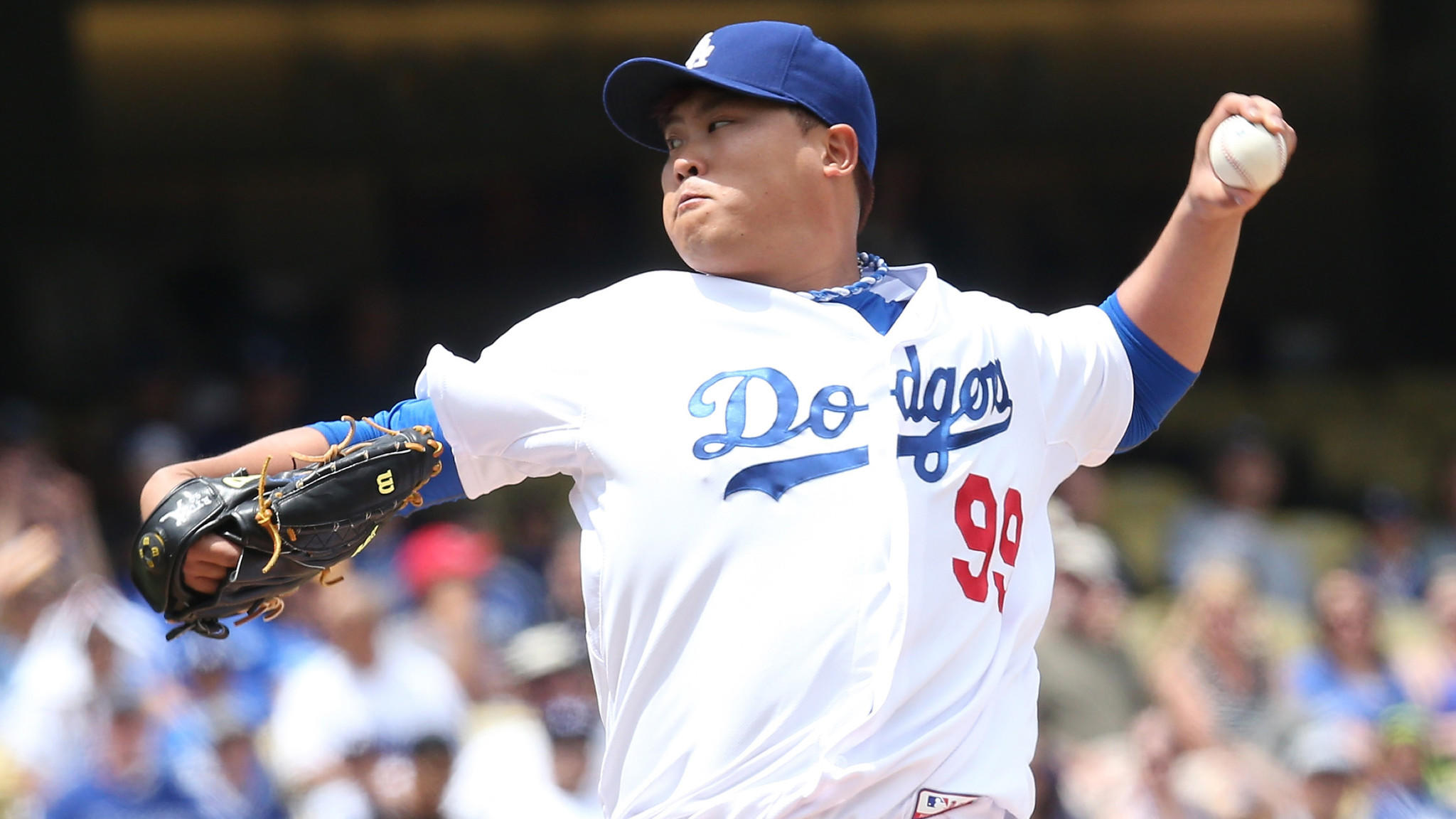Dodgers starter Hyun-Jin Ryu delivers a pitch during Sunday's 6-1 loss to the Colorado Rockies.