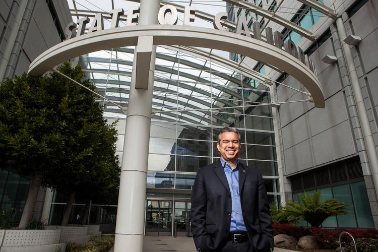 Assemblyman Rob Bonta (D-Oakland) (Alexis Cuarezma / For The Times)