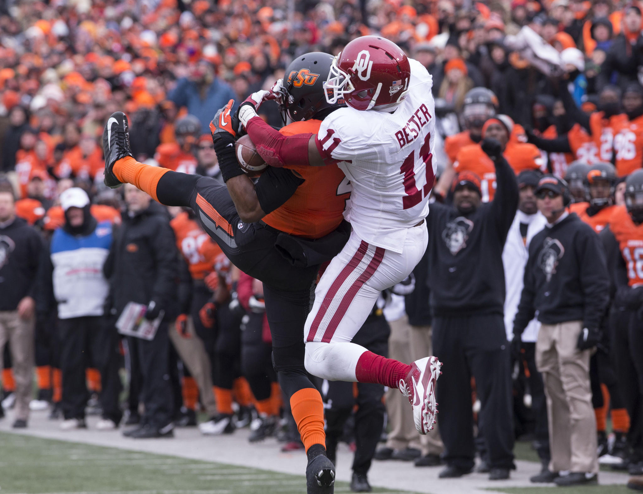 Oklahoma State cornerback Justin Gilbert breaks up a pass intended for Oklahoma receiver Lacoltan Bester.