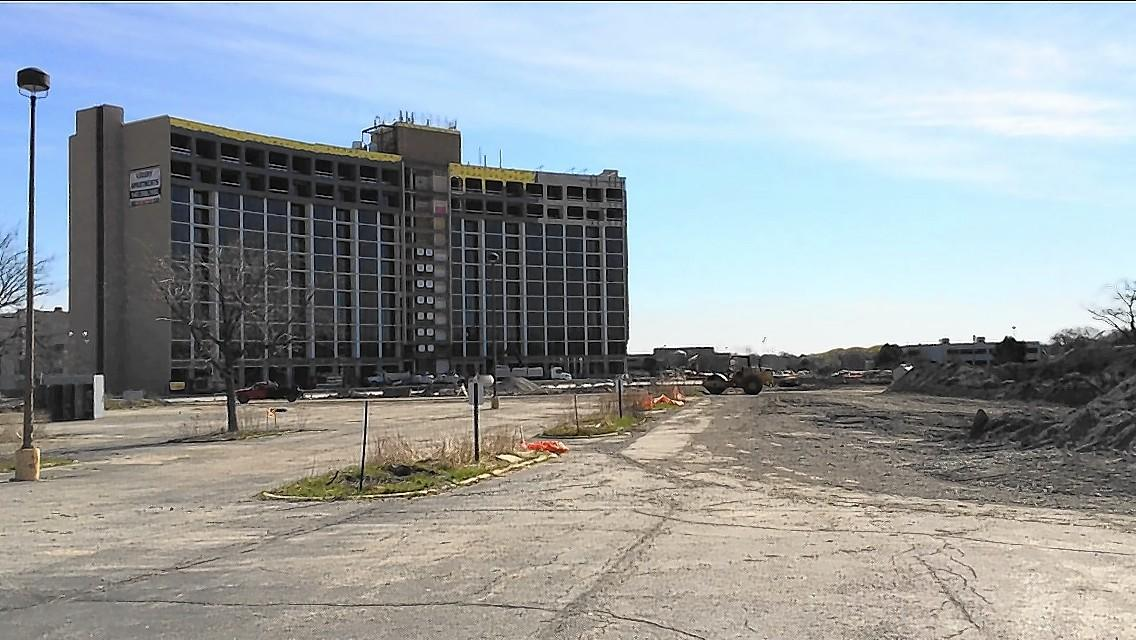 Arlington Downs' One Arlington apartment tower begins leasing in May and will be open in July.