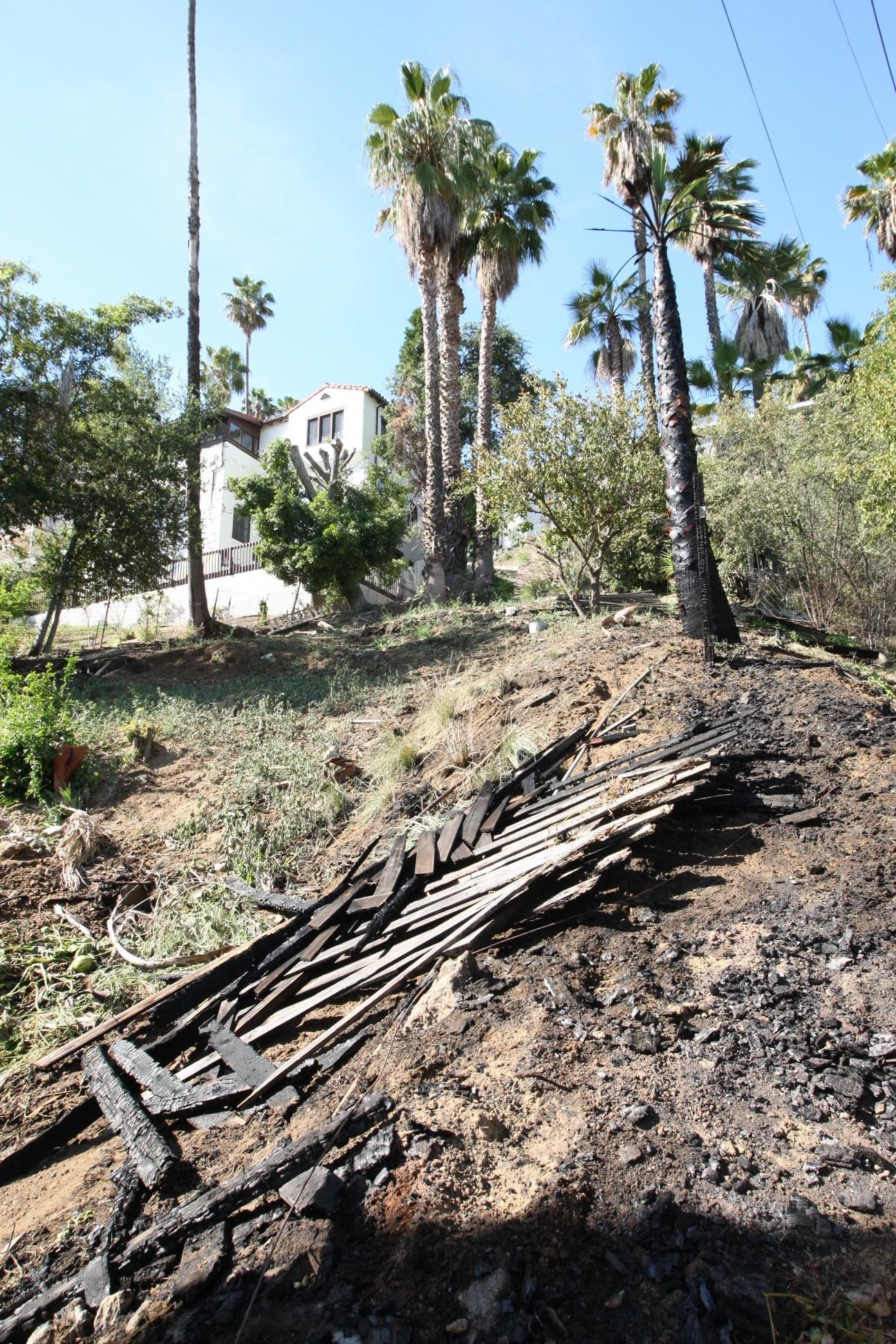Glendale firefighters quickly knocked down a vegetation fire to rear of 1315 N Howard St. on Tuesday, April 29, 2014.