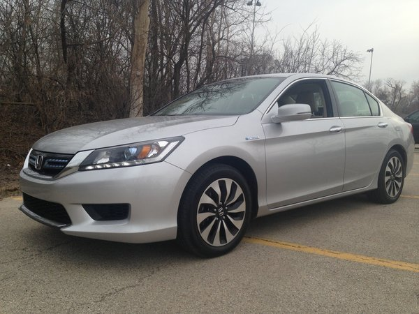 Review: 2014 Honda Accord Hybrid Strikes A Better Balance   Chicago Tribune