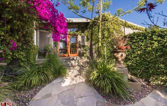 Emily Blunt and John Krasinski have bought a home for $2.575 million in Hollywood Hills West.